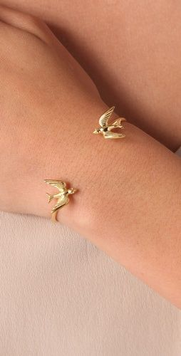 Love this!!: Little Birds, Birds Bracelets, Dove Bracelets, Kiss Swallows, Hunger Games, Cute Bracelets, Swallows Bracelets, White Gold, Sparrow Bracelets