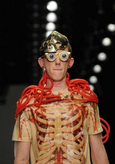 Беспощадные мужские наряды от извращённых дизайнеров (перед сном не смотреть!)