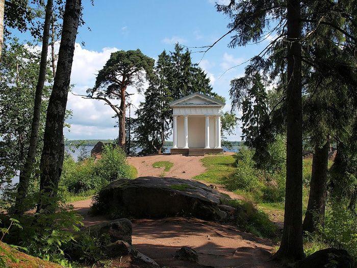 парк Монрепо, Храм Нептуна