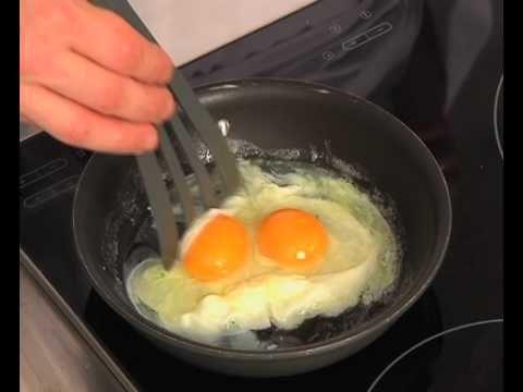 Technique de cuisine : Préparer les oeufs au plat