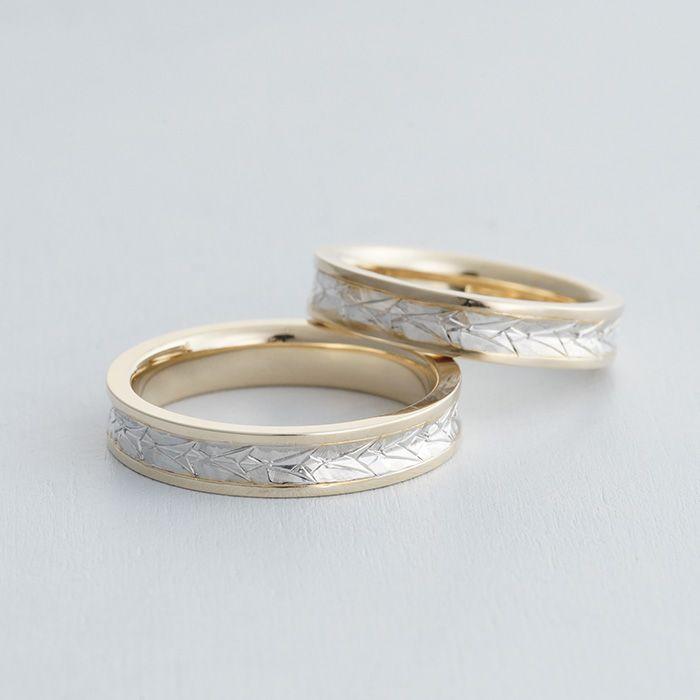 K18(ゴールド),Pt900(プラチナ)コンビカラー/マリッジリング:Giglio(ジーリオ) 百合の花をモチーフにした彫り模様。彫り模様と縁取り部分で色をかえコンビカラーに。 [marriage,wedding,ring,結婚指輪,ウエディング,Gold]