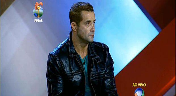 Marcos Oliver fica em 3º lugar na sexta temporada da Fazenda http://newsevoce.com.br/afazenda/?p=2383