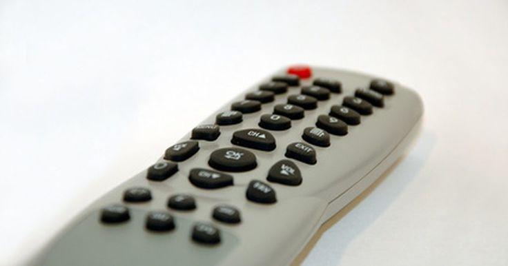 Cómo programar un control remoto de TV LG. LG es una gran empresa de electrónicos que fabrica una gran variedad de aparatos, incluyendo televisores de alta definición. A pesar de que los controles remotos tienen el propósito de hacer tu vida más fácil, pueden rápidamente llegar a ser confusos cuando tienes que utilizar múltiples controles para múltiples aparatos. LG, sin embargo, diseñó ...