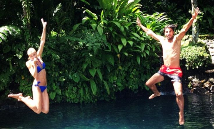 Sami Khedira causes a splash with his girlfriend Lena Gercke