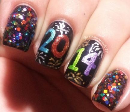Tendencias de uñas, Uñas de Arte, Diseños de uñas, La Víspera de Año Nuevo Nails | nailit! Revista