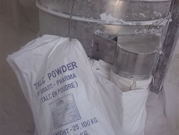 Manufacturer of talc powder in India http://quartzpowdermanufacturers.com/supplier-of-talc-powder-in-india.php Supplier and Manufacturer of Quartz Grit, Quartz Powder, Ramming Mass and Talc Powder. Color snow white, milky white, super semi and semi white.  Applications are Ferro alloys, steel industries, paper industries, sugar refining, Pesticides, Polymers, Rubber Industry, Cosmetic Products, glass floats, water treatment plants Accurate Composition, Reliable and Highly Demanded.