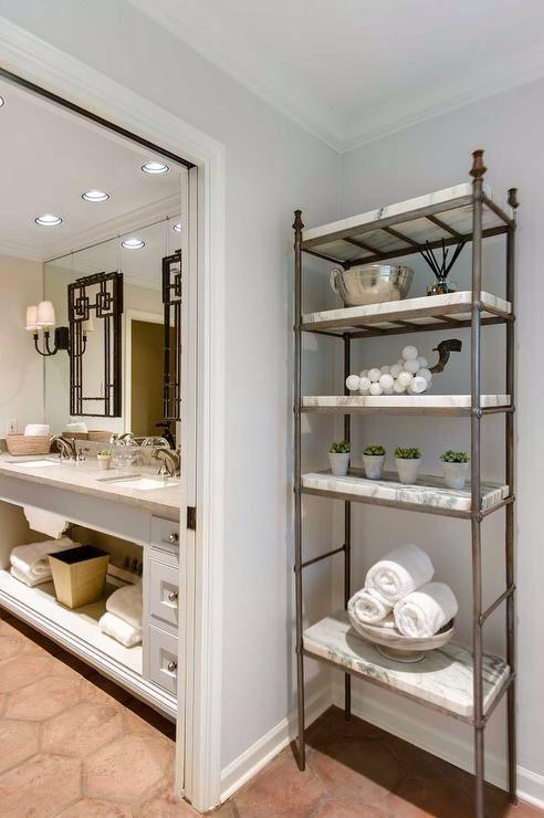 die besten 25 badezimmer etageren ideen auf pinterest aufbewahrung handt cher aufbewahrung. Black Bedroom Furniture Sets. Home Design Ideas