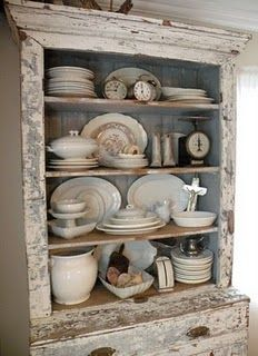 <3: Farmhouse Dreams, Dreams Home, China Cabinets, Kitchens Hutch, Chippy White, Booths Ideas, Shabby Chic, Rustic Chic, White Cabinets