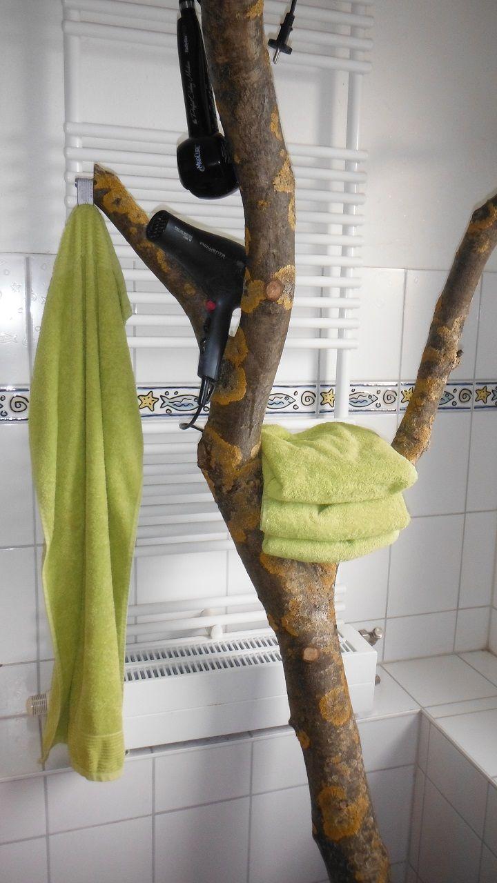 Stummer Diener Im Badezimmer Handtucher Aufhangen Diener Holz