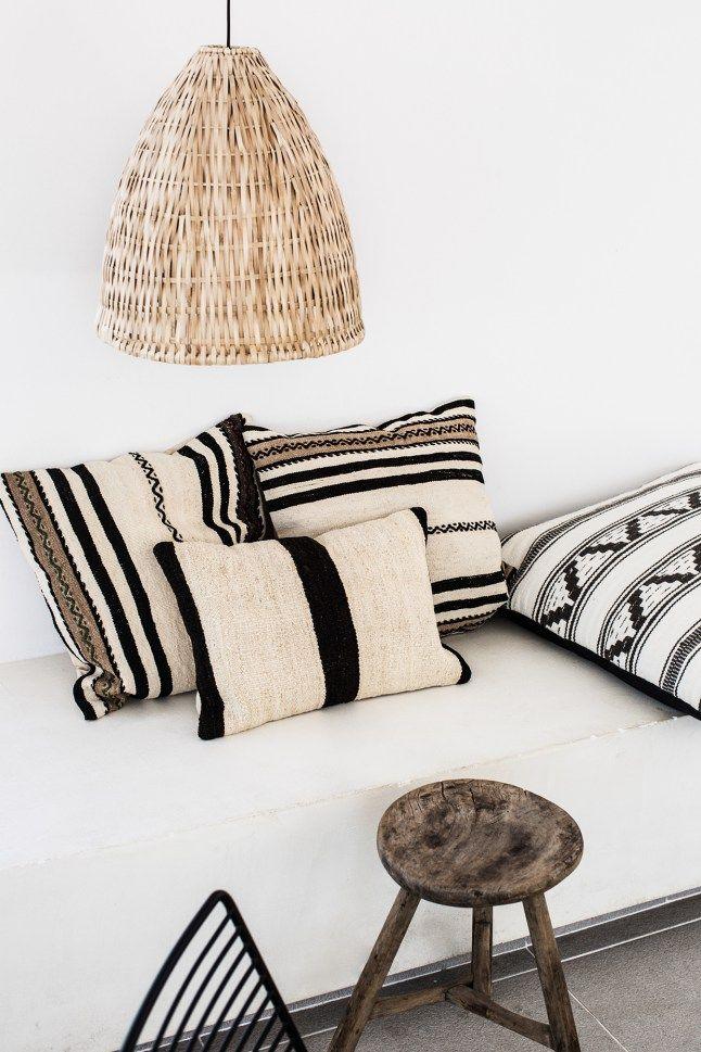 black and white cushions.