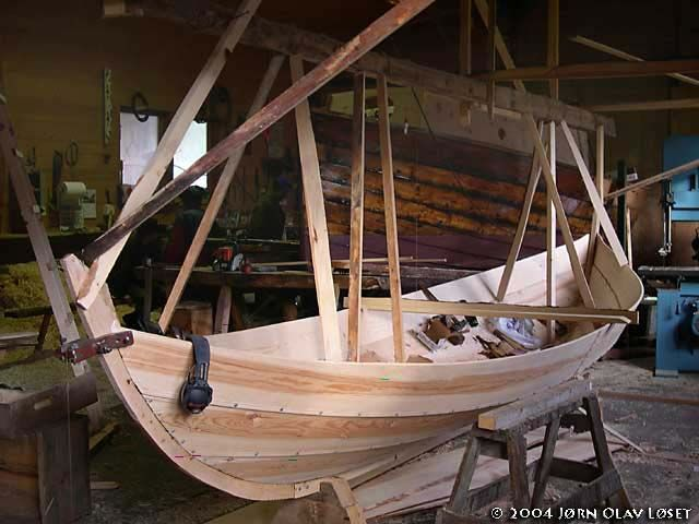 Færing - What is a faering? - Definition of the basic norse boat: the faering - Viking ships and norse wooden boats by Jørn Olav Løset, Norway