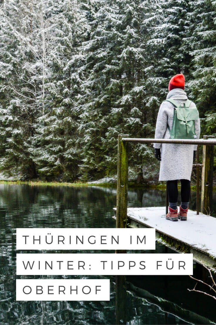 Oberhof ist Rennsteig, Ski und Eiskanal. Einst war die Stadt ein beliebtes Ausflugsziel für hochrangige DDR-Funktionäre. Heute liegt sie vor allem bei Familien, Wanderern und Wintersportlern im Trend. Hier kommt fast jeder auf seine Kosten. Sechs Tipps für ein unvergessliches Wochenende im Thüringer Wald.