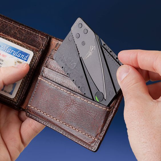 Survival Gear Review: Foldable Credit Card Knife - From Desk Jockey To Survival Junkie
