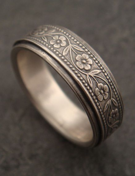 Floral Wedding Band in White Gold