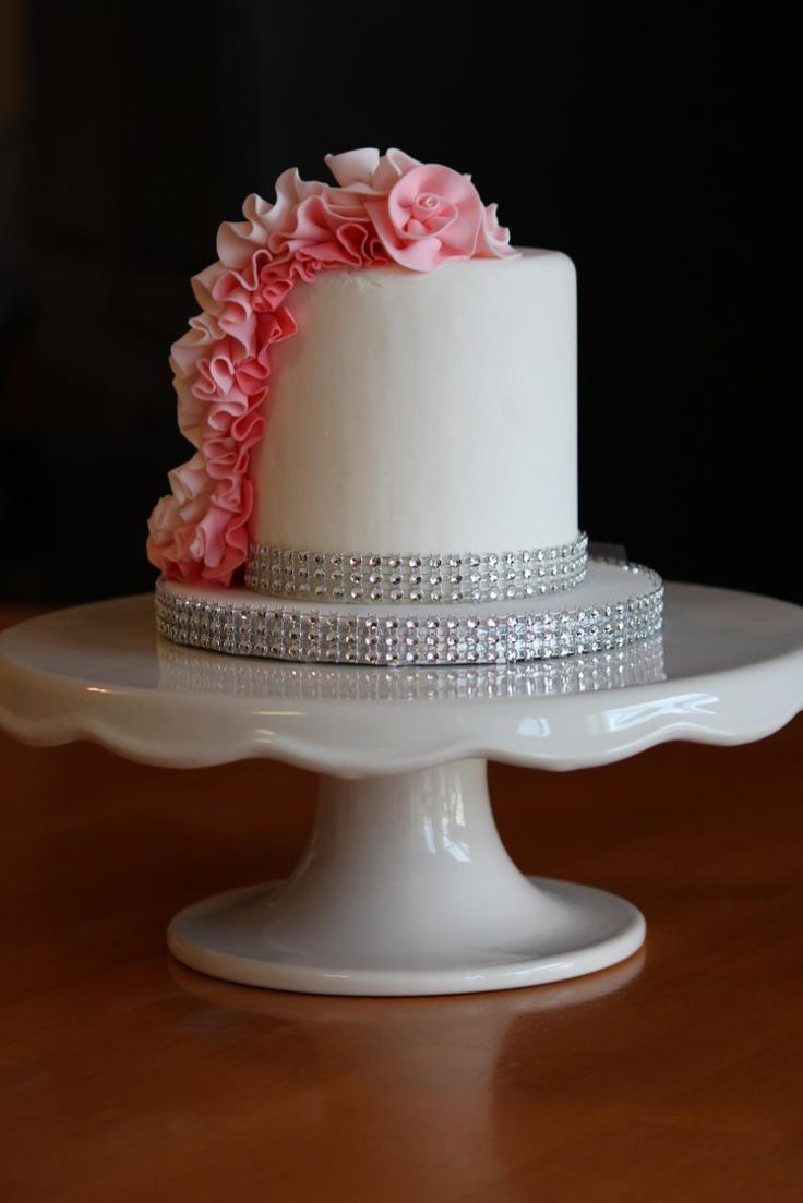 Cake Decorating Fondant Ruffles : 17 Best images about Cakes on Pinterest How to make ...