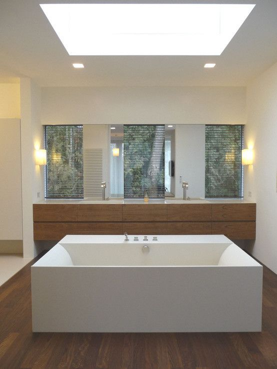 Badezimmer Mit Eckbadewanne Modern Waschtisch Holz Unterschrank