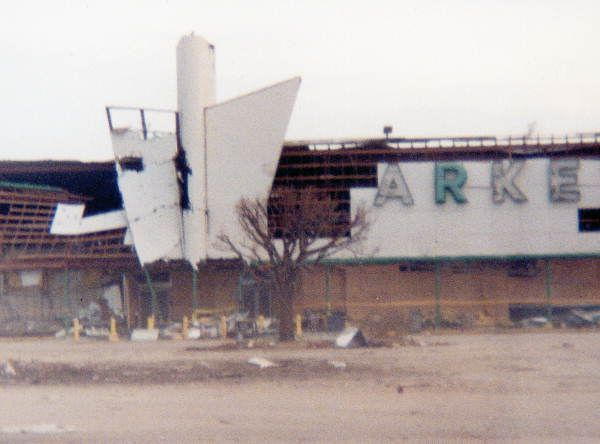 View of Publix supermarket following Hurricane Andrew - Miami, Florida