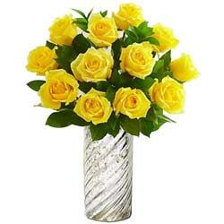 Send flower online with Myflowertree to Chennai http://www.myflowertree.com/chennai/chennai-flowers