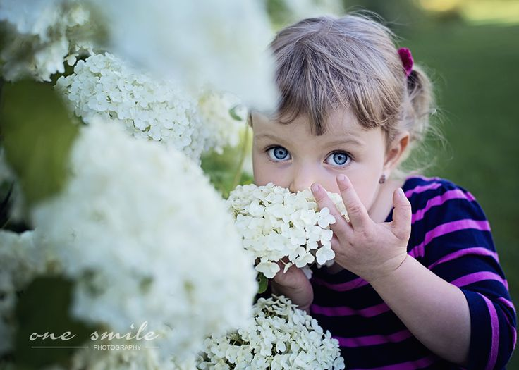 girl in flowers | One Smile Photography |  http://mporwisz.blogspot.com/