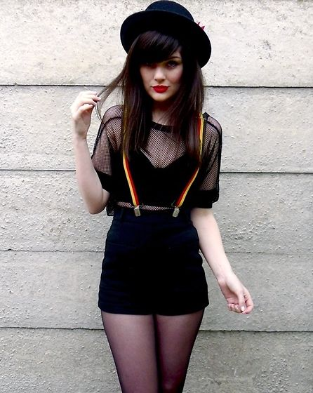 : Hats, Bra Tops, Bi Charlene, Braces, Red Lips, Adorable Bra, Clothing Describ, Alternative Fashion, Longlin Bras