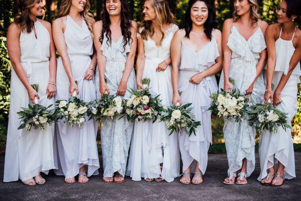 Cheery, Romantic Spring Bellevue Wedding