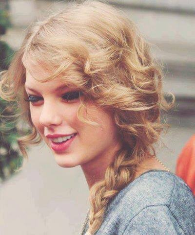 Taylor Swift My Go To Hairstyle D Wedding Hair