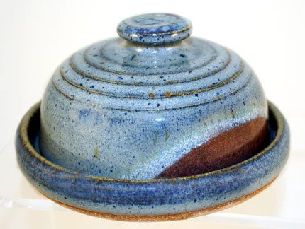 Hey, I found this really awesome Etsy listing at https://www.etsy.com/listing/218245919/stoneware-covered-butter-dish-can-be