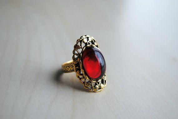 Crimson Peak Ring -- The Crimson Collection -- Edith Cushing -- Lucille Sharpe -- Thomas Sharpe -- Fandom Fashion -- Sharpe Family Ring