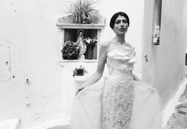 Ph: Tania Alineri Art Director: Andrea Mennella Producer: Davide Di Lallo Coordinamento: Valentina Guidetti Hair: Ori 'O' Make Up: Rocco Ingria abito: Gianni Sapone #sposa #sposarsi #wedding #dress #makeup #abito #abiti #white #bride