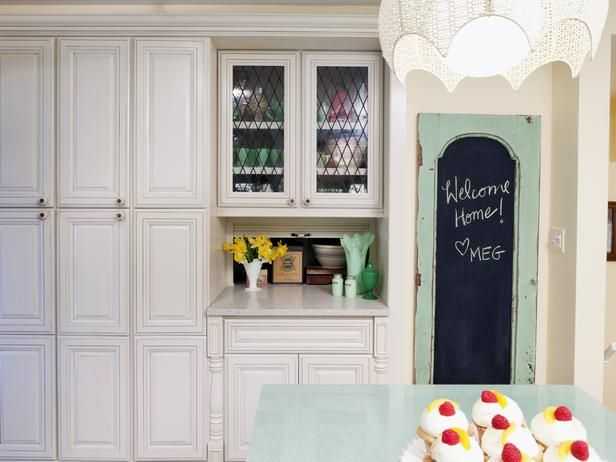 Who loves Meg? Season 6 winner @Meg Caswell is a fan-favorite! After the party, check out 100+ pictures of Meg's work in HGTV Designers' Portfolio and pin your favorites! >> http://www.hgtv.com/designers-portfolio/room/cottage/kitchens/9063/index.html#/id-9063/designer-4294955612?soc=pinterestdb