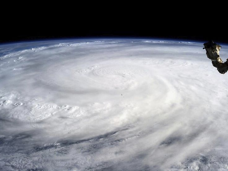 Typhoon-Haiyan-is-photogr-008.jpg