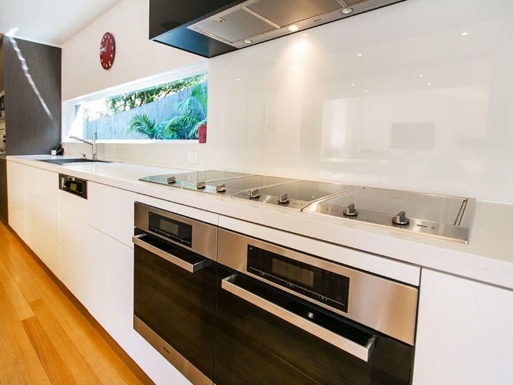 Strickland Drive | Kitchen | Minimalist detail | Blum fittings | Miele