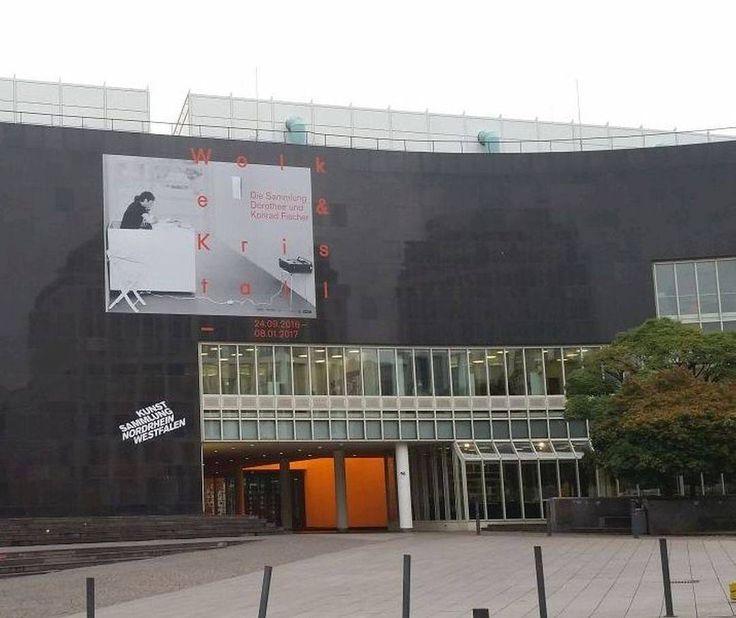 """Wart ihr schon bei einer Führung zu """"Wolke und Kristall"""" im K20? Nein? Wie wäre es dann z.B. am 29.12. von 16:30 - 17:30 Uhr? Viel Spaß!  #KunstsammlungNRW #K20 #WolkeundKristall #DieSammlungDorotheeundKonradFischer #Düsseldorf #artinduesseldorf #weloveart"""