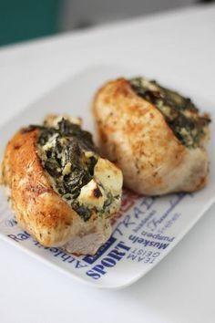 Zdrowe obiady nie muszą być ani trudne do wykonania, ani skomplikowane pod względem ilości składników: wręcz przeciwnie! Można zrobić pyszne, zdrowe i proste danie w krótkim czasie. Przed wami – 2 przepisy na świetne fit obiady, który będzie w stanie zrobić każdy. DRÓB – JEŚĆ CZY NIE? W dzisiejszych przepisach jako źródło białka wykorzystałam drób. …