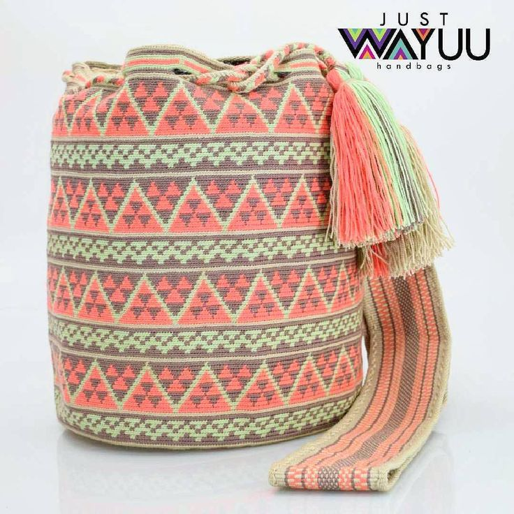 """323 Me gusta, 5 comentarios - Just Wayuu (@just.wayuu) en Instagram: """"Each single thread bag takes on average 21 days to be completed. Its elaboration requires more than…"""""""