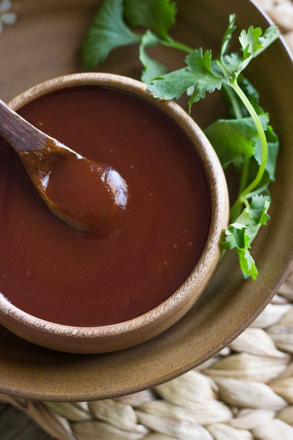 Homemade Honey BBQ Sauce - perfectly sweet and tangy. You'll want to put it on everything!