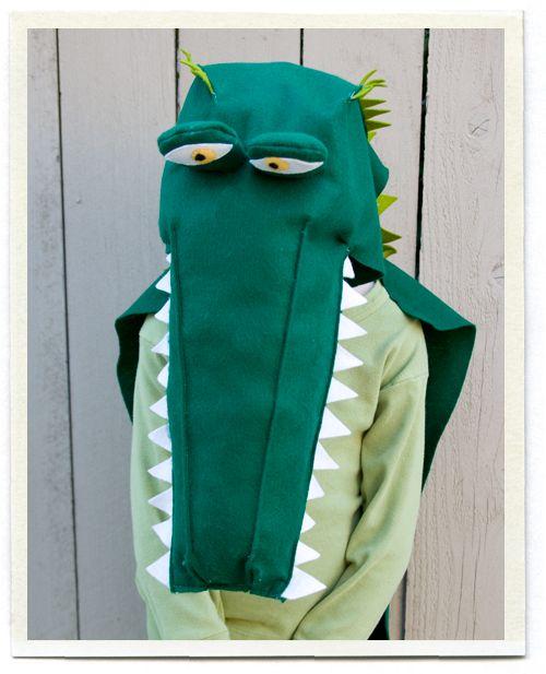 crocodile costumeDiy Captain Hooks Costumes, Halloween Costumes Ideas, Costumes Diy Alligators, Disfraces Carnaval, Diy Halloween Costumes, Carnaval Costumes, Crocodile Costumes, Costumes Halloween, Kids Dinosaurs Costumes Diy