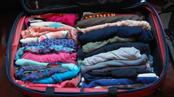 The Best Way to Pack a Suitcase: Five Methods Compared
