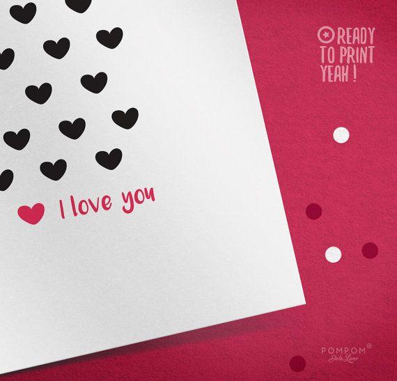 * Carte de voeux À IMPRIMER I love u Amour Amitié Saint Valentin Téléchargement instantané Mots damour coeur Noir et rose * Carte de voeux carrée deux volets + enveloppe + étiquettes cadeaux à monter inclus TÉLÉCHARGEMENT NUMÉRIQUE INSTANTANÉ 1 FICHIER ZIP contenant PDF et jpg 300 DPI  À noter : - Les couleurs peuvent varier selon l'écran, le papier utilisé ou l'imprimante - Il sagit dun achat numérique, aucun envoi postal et cadre non fourni  MODE DEMPLOI  - Choisissez votre fichier, et…