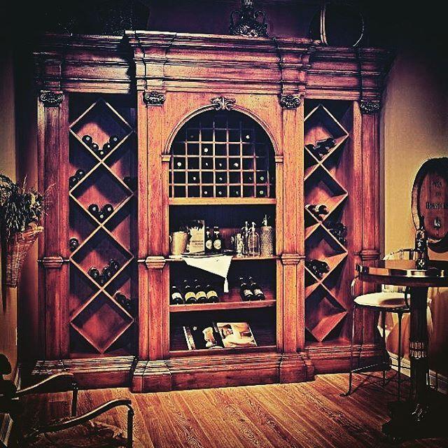 Винный шкаф от Francesco Molon. Wine cabinet from Francesco Molon. Premium Italian furniture. Мы комплектуем мебельные проекты, обращайтесь: www.geniuswood.ru Фото отсюда: @geniuswood.ru. @sergeypashkov72 #винныйдилетант #francescomolonkitchen #luxury #ki