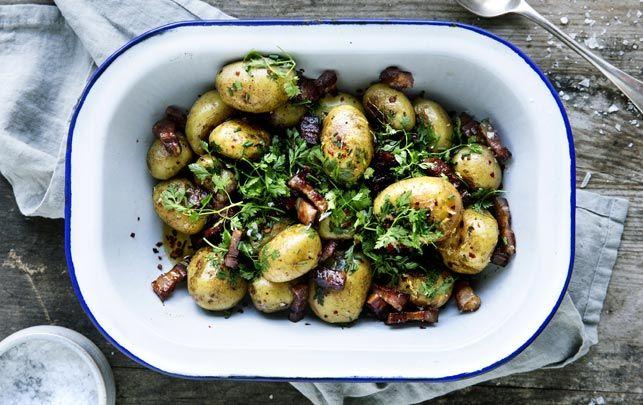 Små ovnbagte kartofler med pancetta og krydderurter