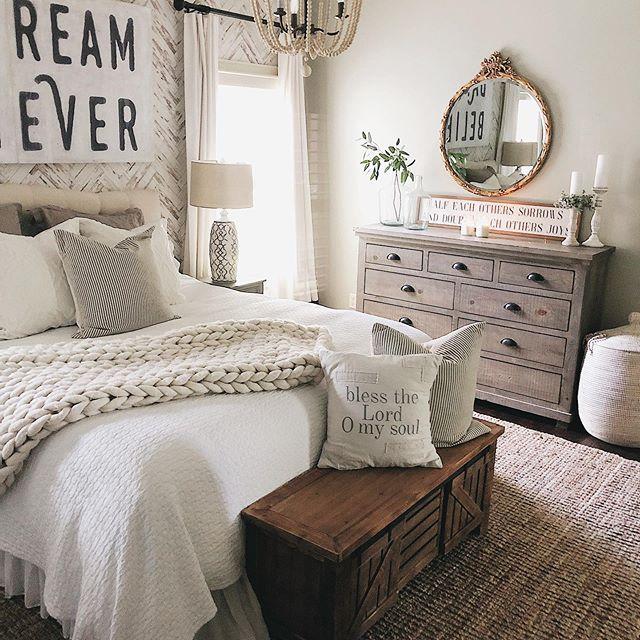 Master Bedroom Ideas Summer Bedroom Farmhouse Style Farmhouse Decor Bedroom Bedroomideas Diy Rustic Bedroom Rustic Bedroom Design Modern Master Bedroom