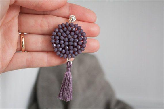 Orecchini viola lavanda con nappa, ricamati a mano - Orecchini Dalia
