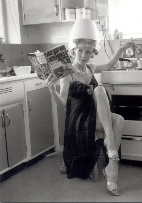 50s housewife....no unrealistic expectations here, eh?