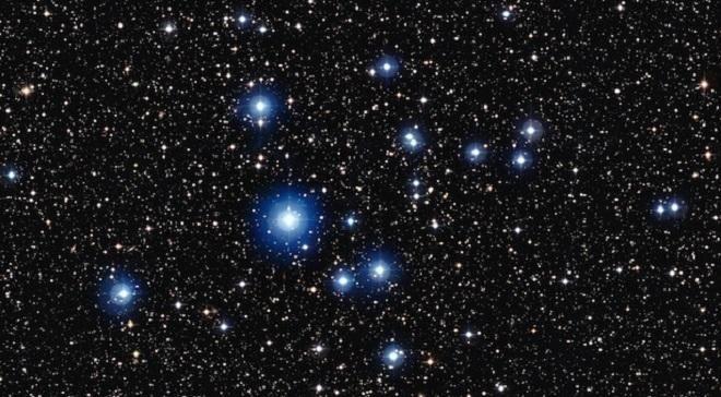 Covesia.com - Pada Sabtu (6 Agustus) besok, Anda dapat menyaksikan keindahan langit di malam hari dengan taburan gugusan bintang yang memesona. Syaratnya,...