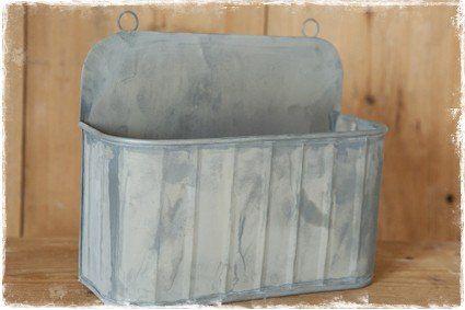 Oud zinken zeepbakje voor bij de kraan in keuken of badkamer. #opbergen, @janenjuup