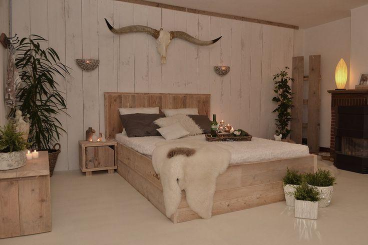Lekker slapen in dit steigerhouten bed