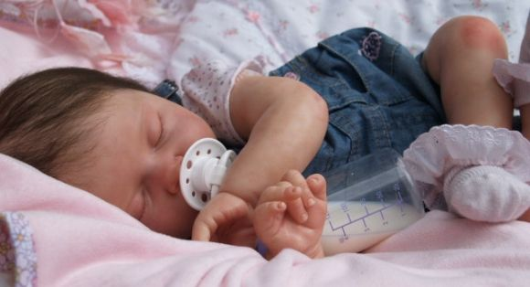 I love this sweet reborn baby.  I repinned it off another page so don't know who the reborner is. Whoever they are, they are very good!