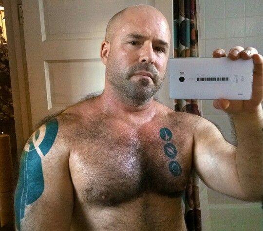 #Muskeln #Tattoo #Behaart #Kerl #Brust