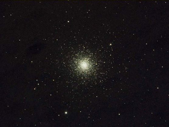 M3 globular cluster in Canes Venatici (The Hunting Dogs). 10.4Kpc (33,900 light years) distant. 90 light years across. 500,000 stars weighing in at 245,000 solar masses. Taken through GRAS03 in New Mexico, USA.